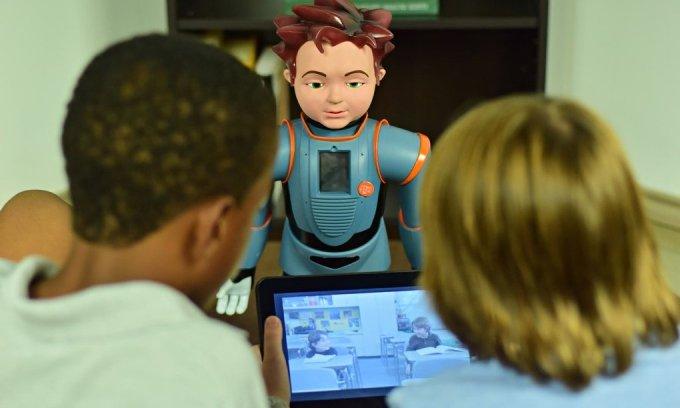 zeno-the-smiling-robot-008